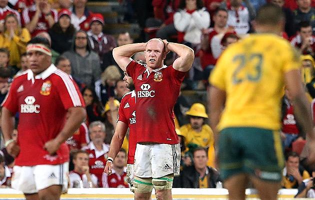 Paul O'Connell breaks arm